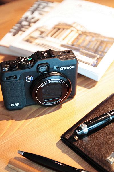 (圖說四)具有大光圈高畫質的PowerShot G15今降價1,000元,強大攝影功能更推薦給型男記錄生活。