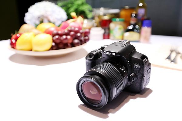 (圖說二) 2012年單眼相機銷售冠軍機種Canon EOS 650D降價2,000元,對想要入門升級數位單眼相機的消費者而言頗具吸引力。